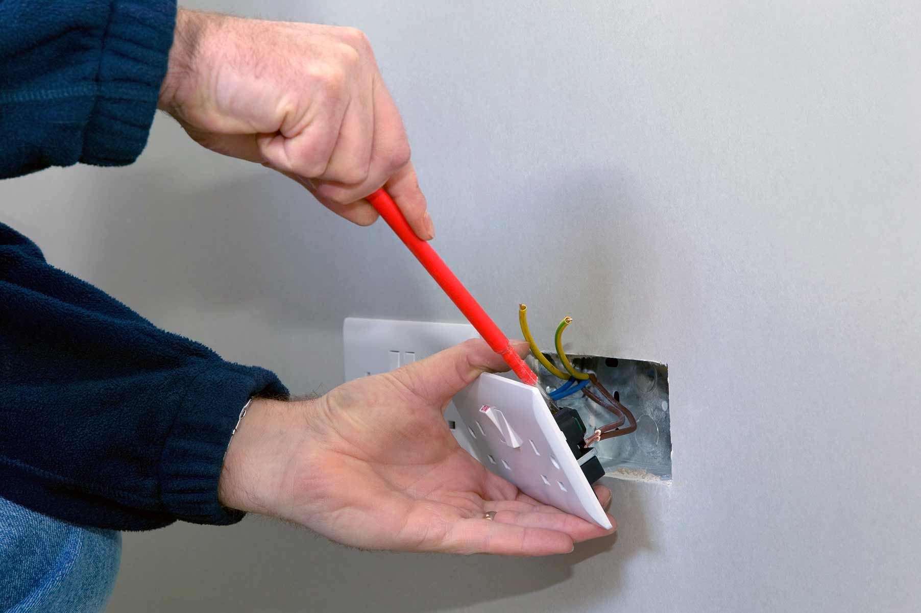 Our electricians can install plug sockets for domestic and commercial proeprties in Cheam and the local area.